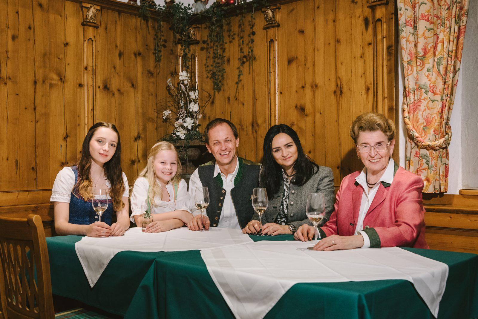Ihre Gastgeber im Hotel Post in Abtenau - Familie Windhofer